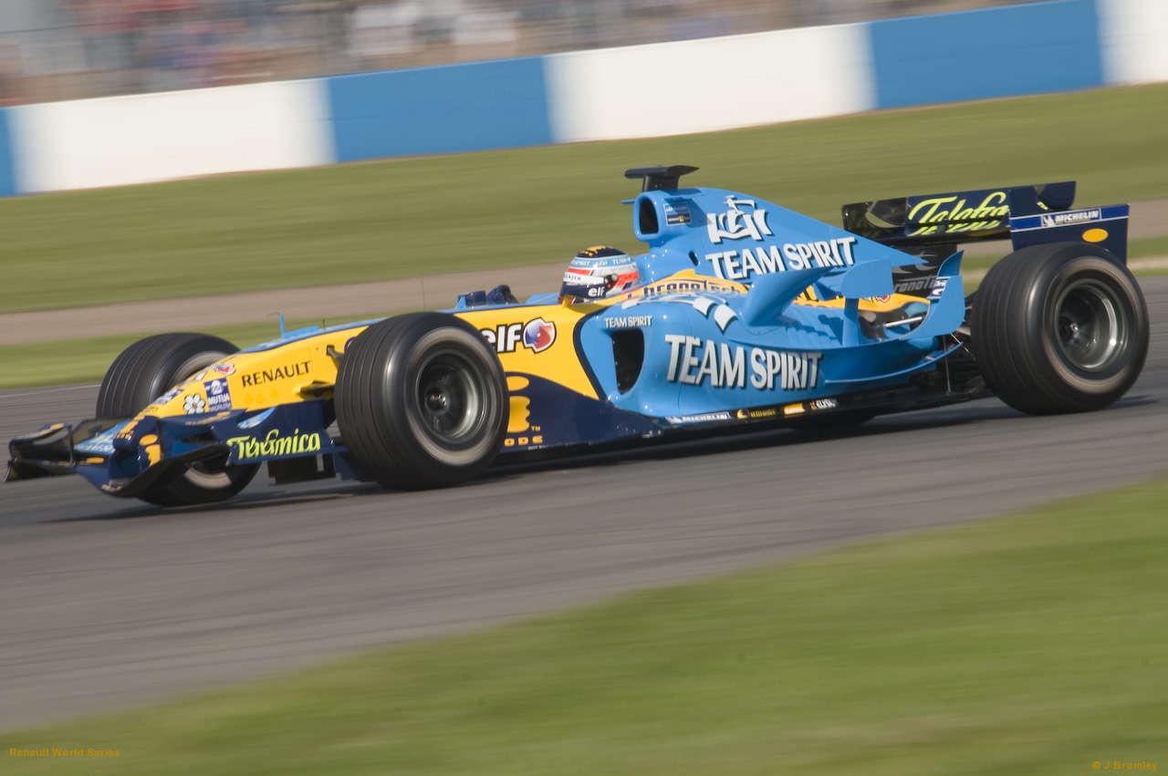 Renault F1 R25